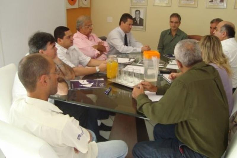 Presidente eleito da Fecomércio Minas, Lázaro Gonzaga, visita o Sindicom