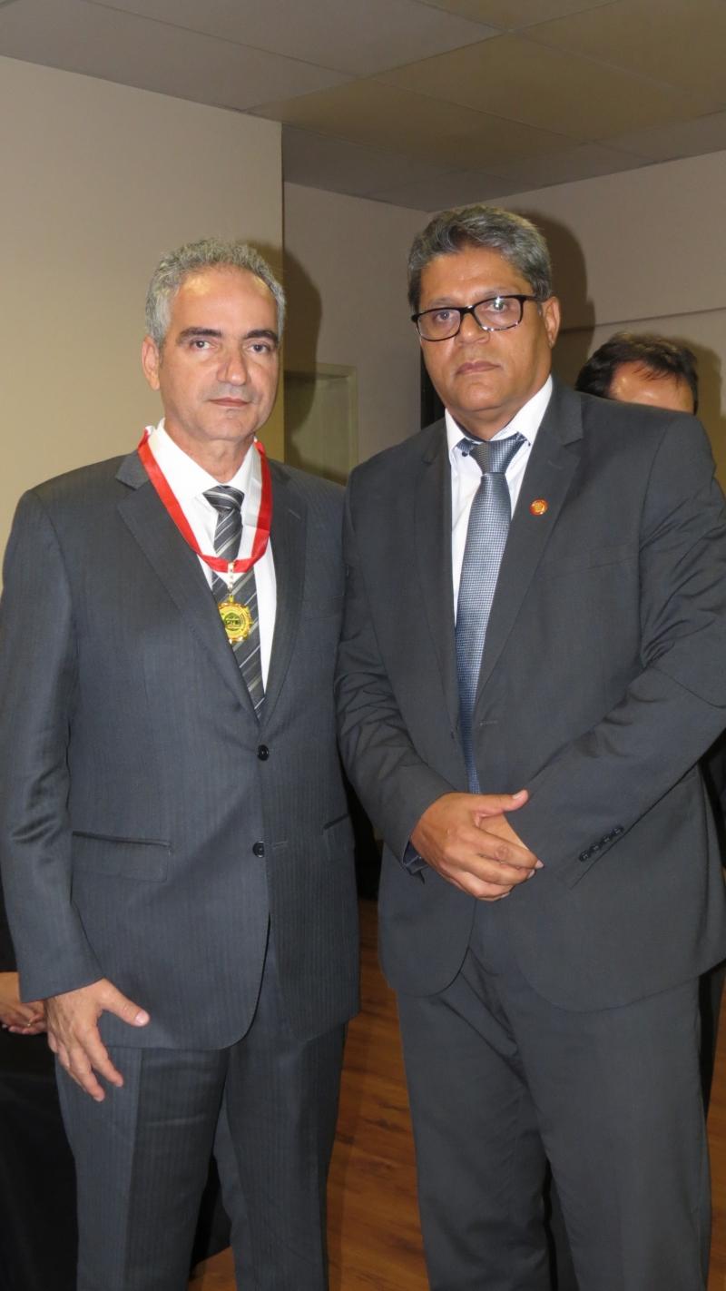 Presidente licenciado do Sindicomércio é homenageado pela Polícia Civil